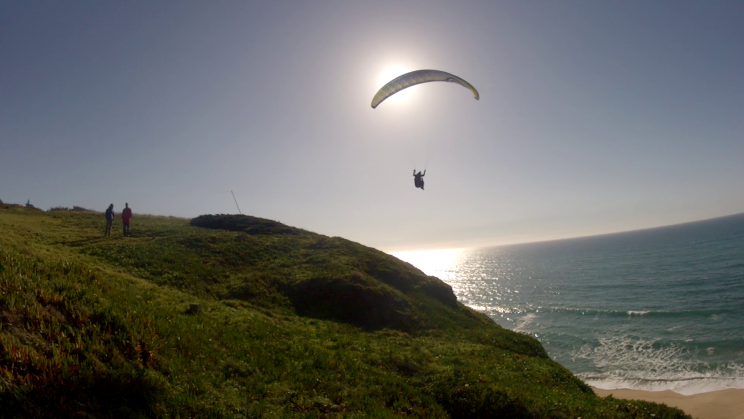 image Parapente en vol decollage meco